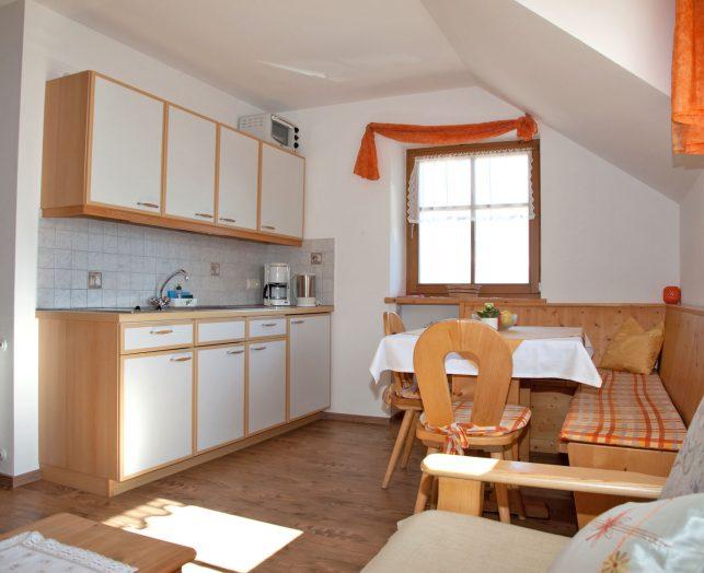 t rggelehof ferienwohnung 2 kirsche. Black Bedroom Furniture Sets. Home Design Ideas